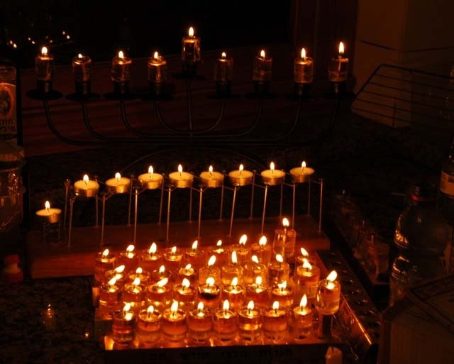The chanukah light, Rabbi Ashlag